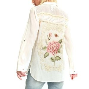 Aratta Floral Embroidered Everyone Wonders Shirt